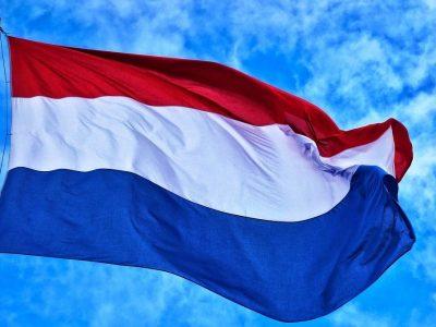 Olandijos parlamentas įteisino baudas už 45 valandų poilsio laiko leidimą vilkikų kabinose
