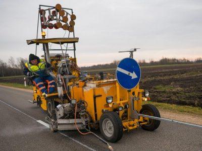 Lietuvoje keliai ženklinami naudojant lazerius, gali dirbti lyjant ir sningant