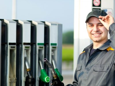Karta paliwowa nie tylko do tankowania. Zapłacisz nią też opłaty drogowe