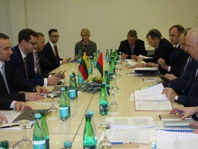 Lietuvos ir Baltarusijos ministrai apie bendradarbiavimo perspektyvas, kuriant transporto grandinę Kinijos krovinių pervežimui