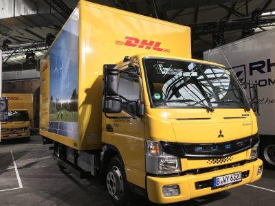 Logistikunternehmen testen vollelektrischen Leicht-Lkw