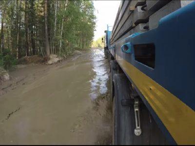 A Volvo kamion küzdelme a szibériai sárral – videó