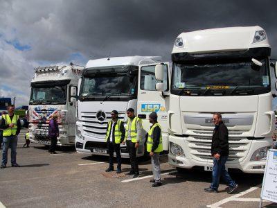 Fachkräftemangel bei Spediteuren: Lkw-Fahrer verzweifelt gesucht