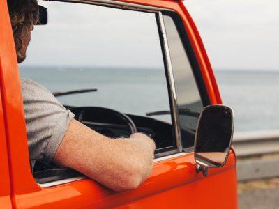 Az Európai Parlament a hivatásos gépjárművezetők képesítési szabályainak enyhítésén gondolkozik