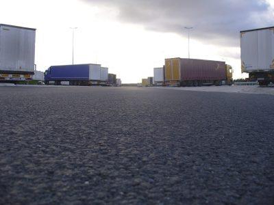 Feiertags-Fahrverbote für Lkw in Deutschland und anderen Ländern