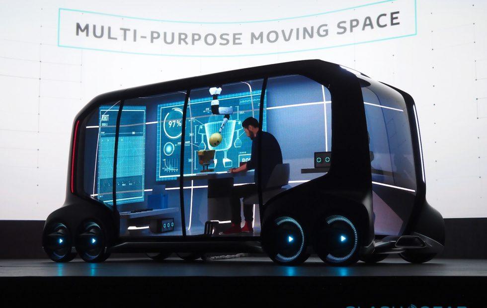 Mindenki nyugodjon meg – a Toyota is csinált egy önvezető eletromos autóbuszt
