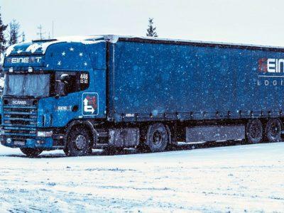 Prieš išvažiuodami į trasą patikrinkite, kuriose valstybėse galioja reikalavimas dėl žieminių padangų vilkikams (PDF vadovas)