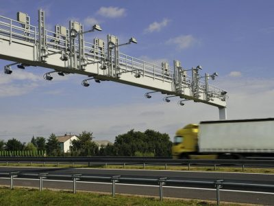 Груз взвесят на ходу. Контроль за перевесом в Петербурге повысит стоимость перевозки грузов на треть