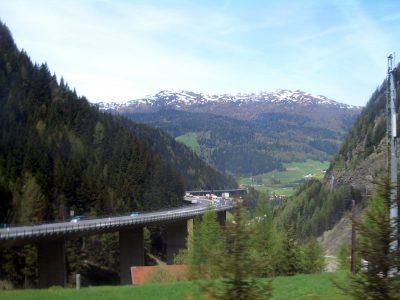 Logistikverband BGL geht in Brüssel und Berlin gegen willkürliche Verschärfung des Sektoralen Fahrverbots in Tirol vor