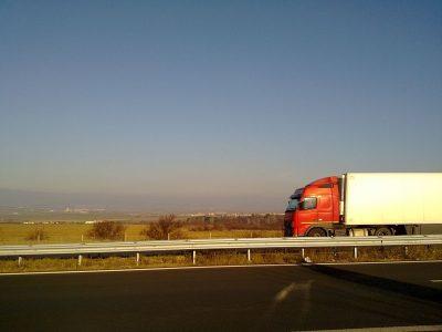 Csökkent a közúti teherforgalom Európában a koronavírus miatti korlátozások után