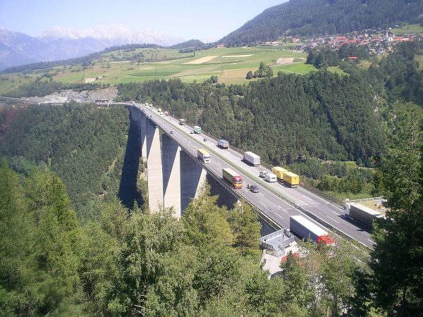 Tirol: Blockabfertigungen für das erste Halbjahr 2022 stehen fest.  Welcher Monat wird der schlimmst