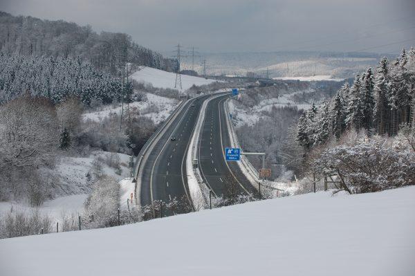Winterliche Verhältnisse auf deutschen Straßen: es kam zu vielen Unfällen