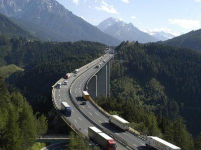 Még mindig blokkosított átengedés Brennernél -sőt, pénteken is!