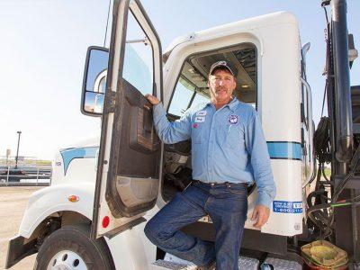 Șoferii de camion cu un istoric impecabil primesc…medalii