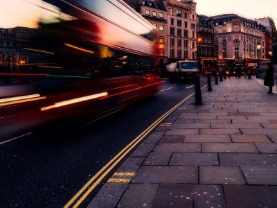 TransINSTANT: ZMPD wydłuży ważność karnetów TIR do 120 dni | Otwarto obwodnicę Rzepina | W Londynie sypią się mandaty za rozmowy przez komórkę w trakcie jazdy