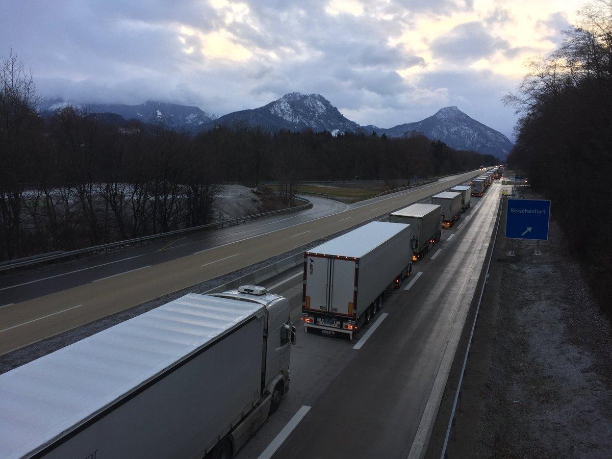 Österreich: Nächste Blockabfertigung ist bereits in Sicht. In Verbindung mit bevorstehenden Fahrverboten lassen sich Staus eher nicht vermeiden