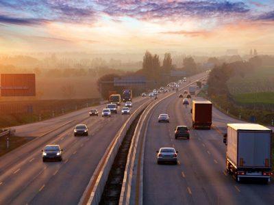 Noi valori ale taxelor de drum în România; camioanele vor plăti cu pana la 85% mai mult