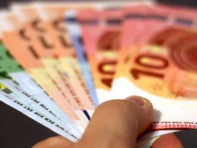 Lietuva ES gale. Minimali alga jau didesnė net Rumunijoje