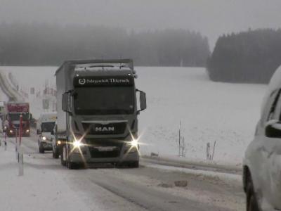 România: Drumuri închise din cauza viscolului