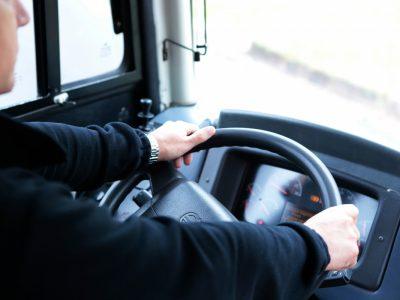 Problem braku kierowców w Niemczech coraz bardziej dotkliwy I Jak uniknąć kary za imigrantów?