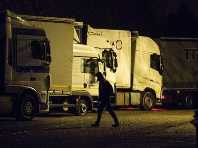 Голландцы начали выписывать штрафы за 45-часовой отдых в кабине