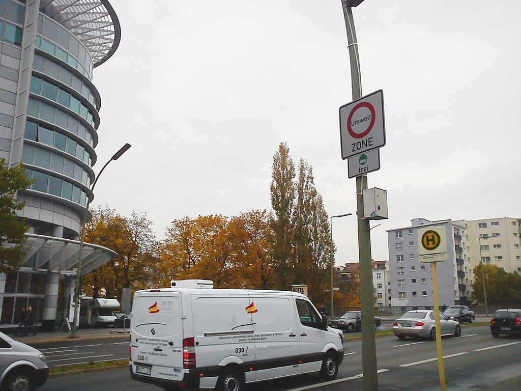 Trzy miesiące zakazu dla diesli w niemieckim mieście i 3 tys. złapanych kierowców
