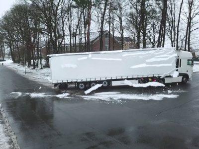 Puspriekabių gamintojas atskleidžia, kaip efektyviai susidoroti su sniegu ant vilkiko puspriekabės