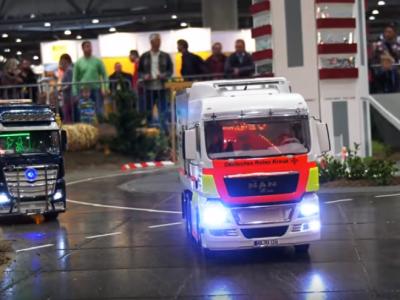 Miniaturowe ciężarówki w akcji. Niemiecki zlot miłośników modeli sterowanych trucków