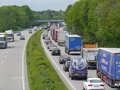Long weekend in Germany, congestion on roads. These are the routes you had better avoid.
