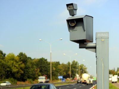 Kto ma wskazać kierowcę, który przekroczył prędkość jadąc pojazdem firmowym? Jest luka w prawie