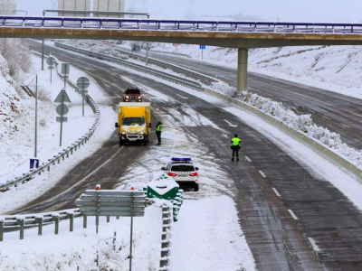 It is already snowing in Spain! Check which roads are closed for trucks