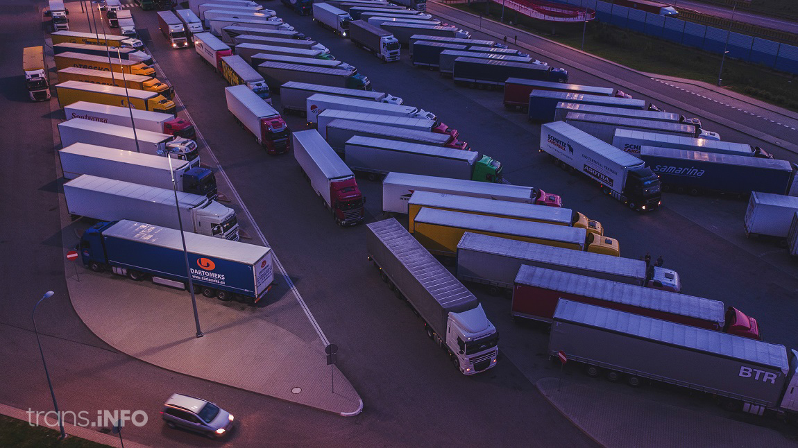 Belgians temporarily ban trucks at a parking lot. That's how they want to solve the problem with immigrants