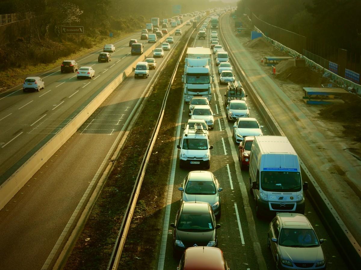 Nowe pojazdy do walki z niebezpieczną jazdą na angielskich autostradach