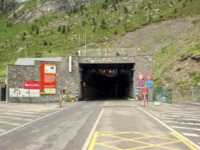 Ograniczenia dla ciężarówek w tunelu na granicy francusko-hiszpańskiej
