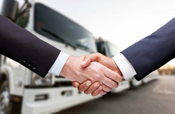 Przewoźnicy coraz chętniej biorą ciężarówki w leasing. Wartość rynku wzrosła