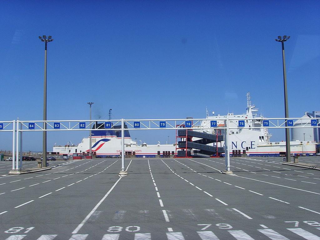 Calais: kompkimaradás február 23-24-én