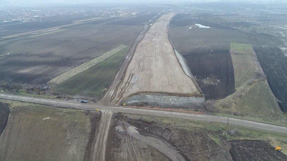 Prima filmare aeriană din zona Luduș-Chețani care surprinde stadiul lucrărilor la Autostrada Transilvania