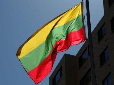 Lietuva atnaujina vidinių ES sienų kontrolę, svarstoma drausti atvykti užsieniečiams