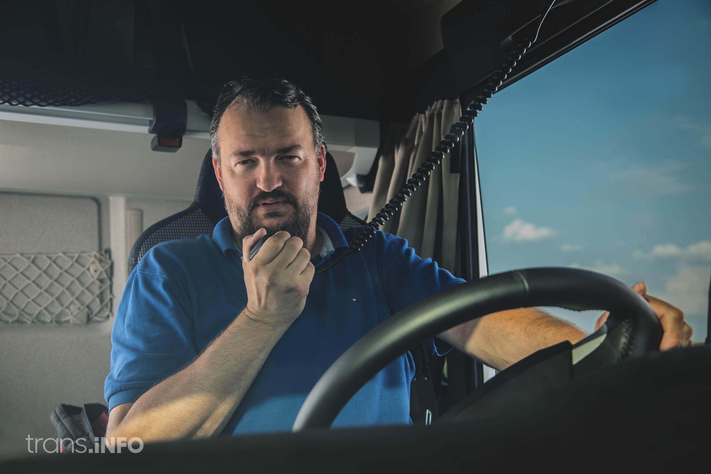 Adevărații Moș Craciun: Şoferii de camion
