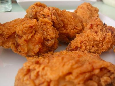 Popularna sieć zamyka w Wielkiej Brytanii większość restauracji. Zabrakło kurczaków, bo firma transportowa nie wywiązała się z kontraktu