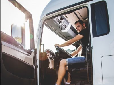 The ultimate step-by-step guide to becoming a lorry driver in the UK