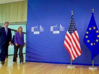 Įtampa dėl prekybos tarp JAV ir Europos Sąjungos Lietuvos verslui nepadeda