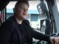 9-jähriger Junge am Steuer eines Lastwagens