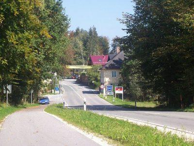 Zakaz ruchu ciężarówek pod austriacko-niemiecką granicą