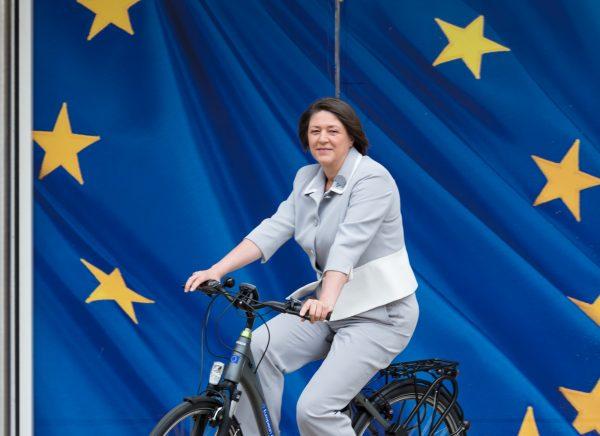 """Byla prieš Vokietiją ir Prancūziją sustabdyta. Europos Komisija laukia """"Mobilumo paketo"""""""