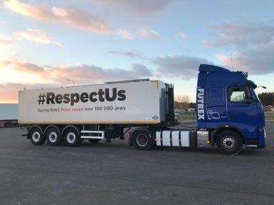 Kampania #RespectUs. Ciężarówki z takim hasłem pojechały do Niemiec