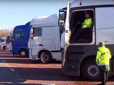 Ispanijos policija sulaikė sunkvežimio vairuotoją iš Šiaulių, kuris dešimteriopai viršijo leistiną alkoholio kiekį išpučiamame ore