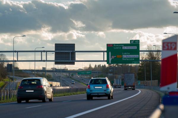 TransINSTANT: Via Carpatia coraz bliżej | Francuska droga RN 118 zamknięta dla ruchu ciężarówek | At