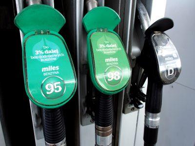 Pierwszy krok do nowego opodatkowania paliw zrobiony. Opłata emisyjna ma aprobatę rządu