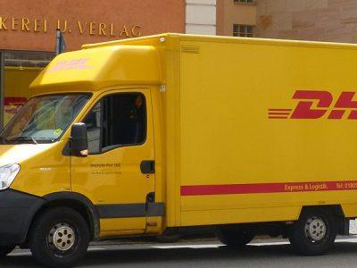 TransINSTANT: új DHL elosztó központ Berlinnél; világkupás Renault kamion; nevet változtat a Freightex